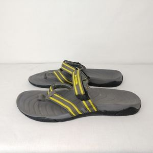 Northside Gray Flip Flops Sandals 7
